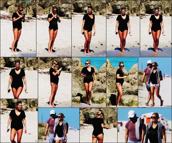 16/03/18 - La blondinette Claire Holt a été repérée avec son fiancé et des amis sur la plage de  Miami, -FL.  Un peu plus de 10 jours après son annonce d'avoir perdu le bébé qu'elle attendait, on la retrouve à la plage. Petit sourire qui fait plaisir.