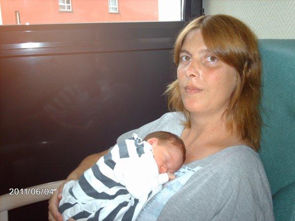 kikou je vous presente ma petite amaylisse née le 2 juin 2011