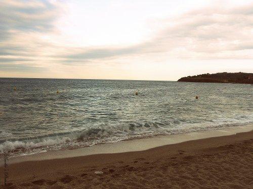""" L'horizon souligne l'infini "" de Victor Hugo."