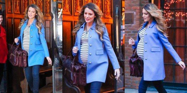 -  O5/12/2O14 : B. quittant un hôtel de New York. -
