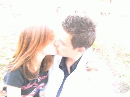 Le 24-02-2009, Notre Date. Le 09-04-2011, Notre Fin....