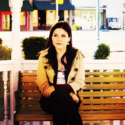 «  Je sais pas comment l'aimer, j'arrive pas à la rendre heureuse. C'est fou d'aimer quelqu'un à ce point là et de ne pas savoir le lui montrer. »