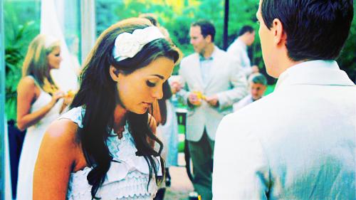 « Je veux partir mais je finis par t'attendre. »