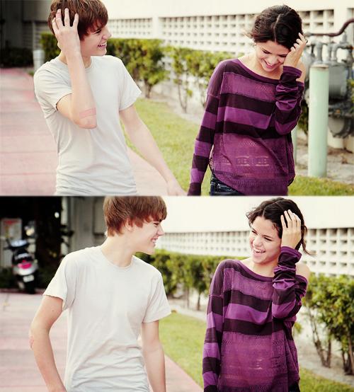 « Pendant très longtemps, à chaque fois que je la voyais, même longtemps après qu'on ne soit plus ensemble, elle me disait que je lui manquais, je la regardais dans les yeux et je savais qu'elle le pensait. Un jour elle a arrêté de le dire et je savais qu'elle était partie. »