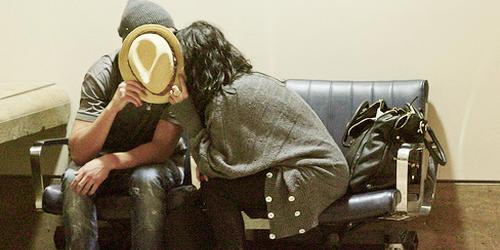« Et ça me taillade le coeur de te voir la regarder comme tu m'as jamais regarder. »