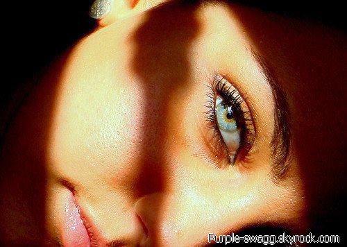 T'es yeux ,ton sourir ,ton odeur . ...