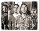 Photo de mary-has-a-gun-2