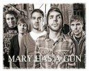 Photo de mary-has-a-gun-2