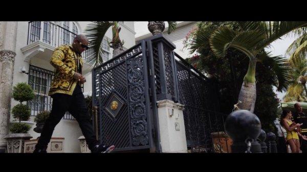 """Découvrez ce Vendredi 17 Avril le tout nouveau Clip de Swagg Man """"F**kin Tonight"""" disponible sur la chaîne : YouTube.com/TheSwaggManTV le morceau est disponible dès maintenant sur iTunes : https://itun.es/fr/ASBS6 #swaggman #fuckintonight #swmentertainment #theswaggmantv"""