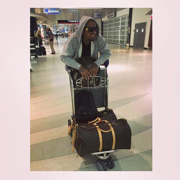 MIAMI AIRPORT  #miami #posey #jnouney #swaggman #theswaggmantv #louisvuitton #airport