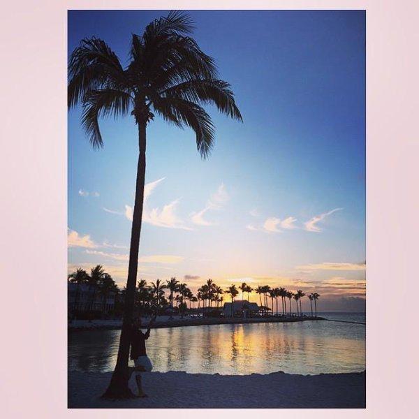 Page aimée · 16 avril ·     POST CARD PARADISE IS REAL #cuba #paradise #jacheteuneiletranquil #swaggman #theswaggmantv #posey #jnouney #paradise #postcard Voir la traduction