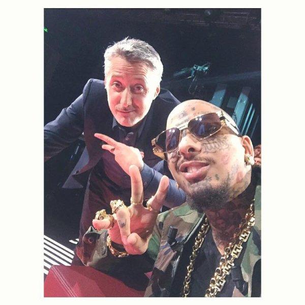 MEY AMIES❤️❤️RETROUVEY MOI CE SOIR À 22h45 SUR CANAL+ DANS L'émission d'Antoine ÀVEC Antoine de Caunes. SA VA ETRE LOURD.❤️❤️?? #antoinedecaunes #swagg #swaggman #theswaggmantv #posey #jnouney #money #ink #inked #tatoo #tattoo #tattedup #canalplus