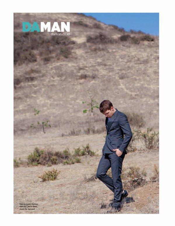 L'album Nolan Gerard Funk by Mitchell Nguyen McCormack for DAMAN Magazine — avec Mitchell Nguyen Mccormack et Rob Ryan Thokchom.