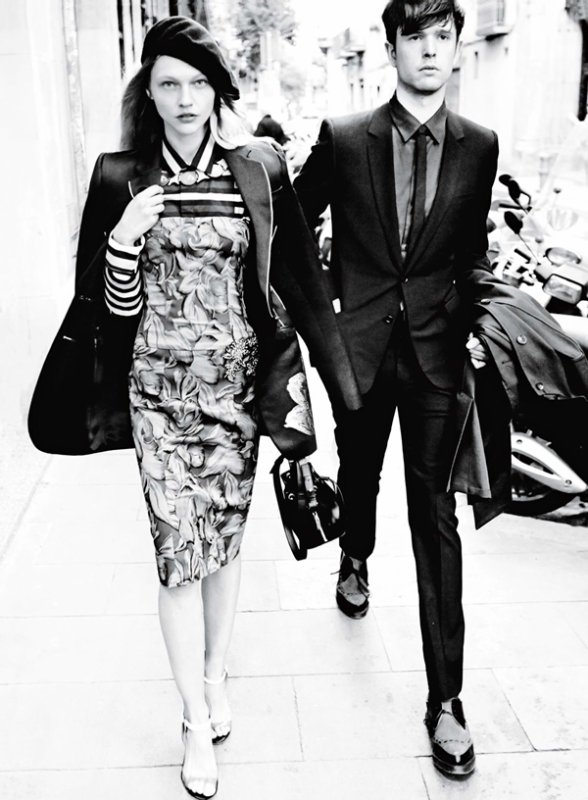 "EDITORIAL Vogue May 2014 ""Day Tripping"" Feat. James Blake & Sasha Pivovarova by Mario Testino 2"