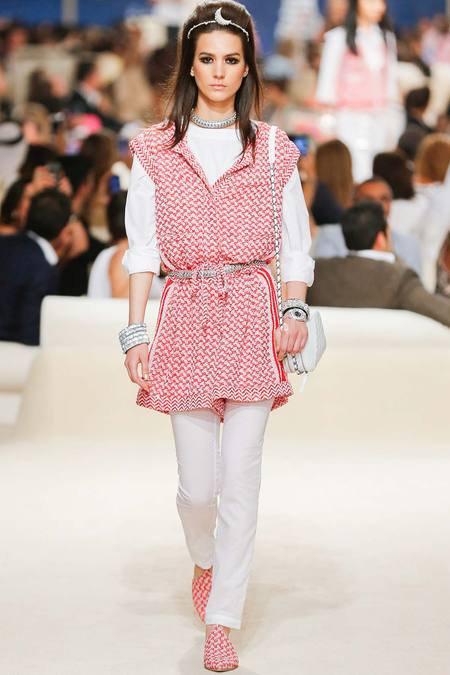 Chanel présente sa Collection croisière sur une île de Dubaï