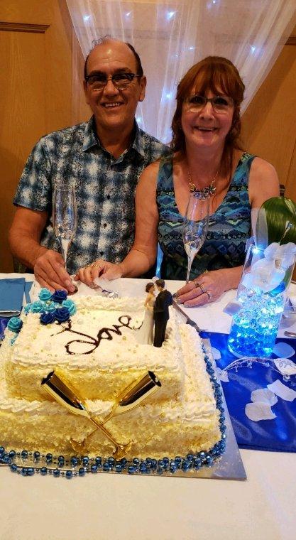 Le gâteau de mariage de mon pere et sa femme !