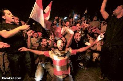 هكذا بدئنا الثورة..هكذا نضالنا...هكذا استشهدنا ..هكذا نجحنا..وطبعا هكذا نظفنا.. عرفتوا من هم المصريين!!هل ابناء الراقصات!! لا والف لا هم ابنا الابطال