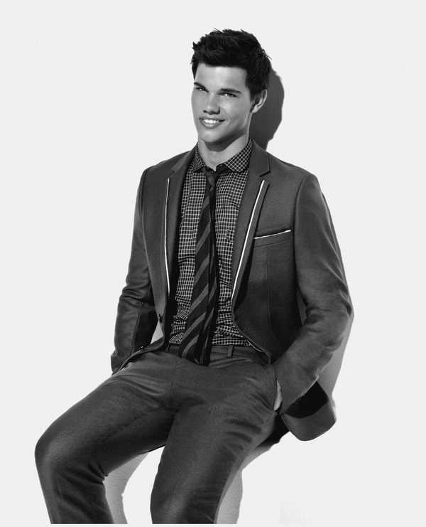 Article 48 → Taylor Lautner