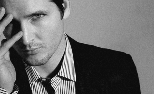 Article 53 → Peter Facinelli