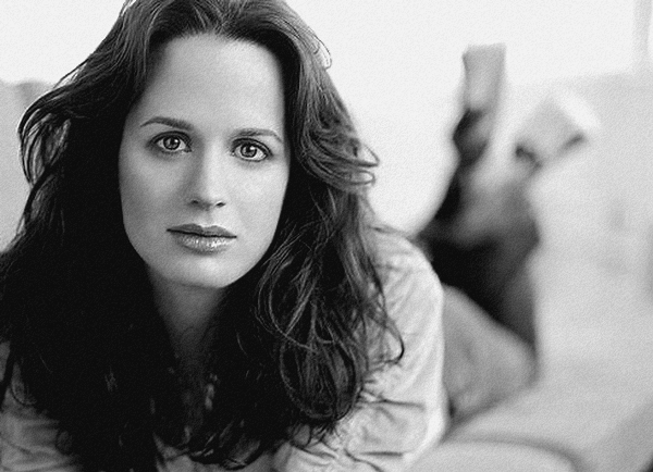 Article 54 → Elizabeth Reaser