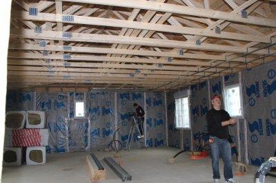 fin du pare vapeur et d but plafond notre maison en bois de a z. Black Bedroom Furniture Sets. Home Design Ideas
