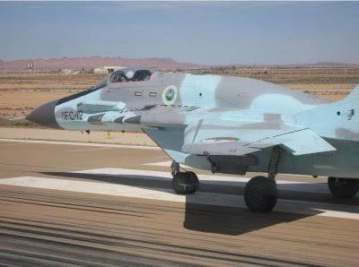 Son histoire commence avec la création par Saïd Aït Messaoudène, pendant la guerre d'indépendance, d'un premier noyau d'armée de l'air avec la formation de pilotes et de personnel algériens auprès de pays amis. Ce noyau a donné naissance officiellement en 1962, au lendemain de l'indépendance, à l'armée de l'air algérienne.