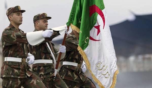 Le Commandement des forces de défense aérienne du territoire CFDAT, est un corps d'arme qui constitue l'une des composantes principales de l'Armée nationale populaire. Rattachée dans un premier temps au Commandement des forces aériennes (AAF) sous forme d'une division d'arme. Elle est cependant érigée à partir de 1988 à la faveur d'un décret du ministère algérien de la Défense nationale, en Commandement des forces de Défense aérienne du territoire, sa principale mission est d'assurer la défense de l'unité et l'intégrité territoriale du pays, ainsi que la protection de son espace terrestre, de son espace aérien et des différentes zones de son domaine maritime. Le siège du Commandement des forces de défense aérienne du territoire est à Hussein Dey dans la proche banlieue Est d'Alger.