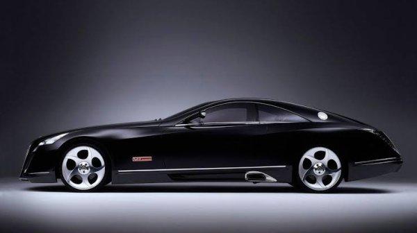 La Maybach Exelero est un luxueux concept car coupé sport, dessiné par le constructeur haut de gamme allemand Maybach. Présentée officiellement au public en mai 2005 à Berlin, cette automobile unique est le résultat d'une commande du fabricant de pneumatiques Fulda.