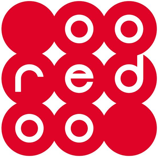 ◾En septembre 2013, Ooredoo signe un partenariat avec le Paris Saint-Germain pour renommer le Camp des Loges en « Centre d'entraînement Ooredoo ».