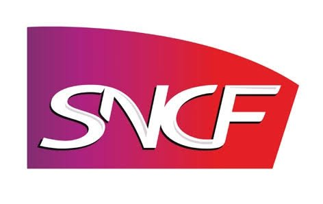 Sur les sept dernières années, la SNCF a versé cinq fois des dividendes à son actionnaire l'État et réalisé une marge bénéficiaire récurrente de 2,1 milliards d'euros par an en moyenne, utilisée pour payer les intérêts de la dette et investir. La crise bancaire de 2008 ayant entraîné une baisse de l'activité de la SNCF, en particulier sur les TGV, la SNCF a passé trois grosses provisions comptables pour déprécier la valeur de ses actifs en 2009, puis 2011 et 2013 et ainsi anticiper une baisse durable et à long terme de sa rentabilité car la flotte de ses TGV (480 en tout) est devenue surcapacitaire.