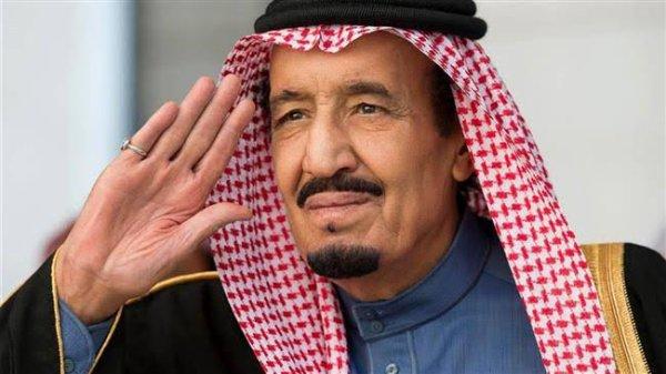 Salmane ben Abdelaziz Al Saoud (arabe : سلمان بن عبد العزيز آل سعود, Salmān bin ʻAbd al-ʻAzīz Āl Saʻūd), né le 31 décembre 1935 à Riyad, est un membre de la dynastie saoudienne. Gouverneur de Riyad pendant plus de cinquante ans, il est nommé ministre de la défense d'Arabie saoudite le 5 novembre 2011, et prince héritier le 18 juin 2012. Il succède à son demi-frère Abdallah le 23 janvier 2015 en tant que roi d'Arabie saoudite.