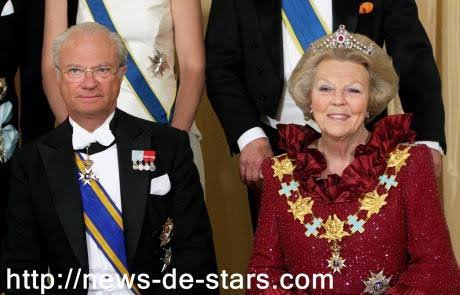 Charles XVI Gustave ou Carl XVI Gustaf (prononcé en suédois [ˈkʰɑːɭ ˈgɵ̞stɑːv]), né le 30 avril 1946 à Solna (en Suède), est l'actuel roi de Suède. Fils du prince héritier Gustave-Adolphe, il succède sur le trône à son grand-père Gustave VI Adolphe, le 15 septembre 1973.