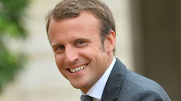 En tant que président de la République française, Emmanuel Macron devient co-prince d'Andorre. En juillet 2017, il rencontre à Paris le chef du gouvernement d'Andorre, Antoni Martí, et le président du Parlement andorran, Vicenç Mateu. Les trois hommes discutent des réformes économiques et sociales de la principauté, dont l'introduction récente d'une nouvelle législation fiscale. Emmanuel Macron promet de soutenir Andorre dans ses négociations pour l'obtention d'un statut d'association avec l'Union européenne