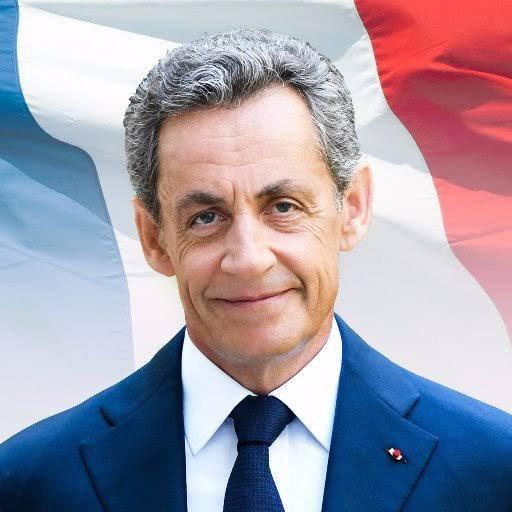Nicolas Sarközy de Nagy-Bocsa[N 2], dit Nicolas Sarkozy (/ni.kɔ.la saʁ.kɔ.zi/ ; Prononciation du titre dans sa version originale Écouter)[N 3], né le 28 janvier 1955 à Paris (XVIIe), est un homme d'État français, également avocat d'affaires et administrateur de société. Il est le président de la République française du 16 mai 2007 au 15 mai 2012.