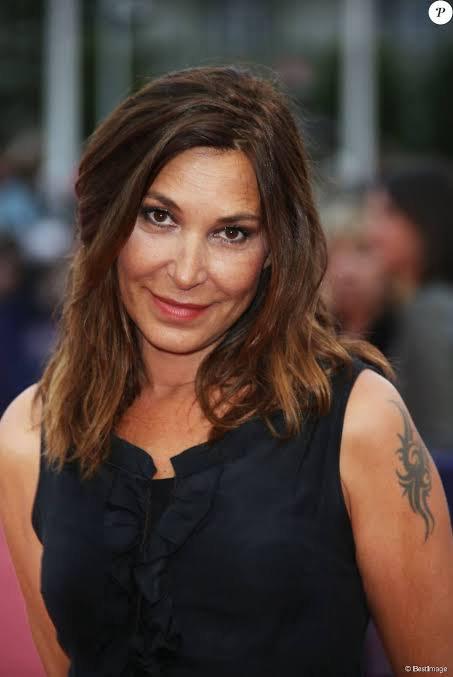 Zazie a une fille, Lola, née en août 2002, de son union avec le musicien Fabien Cahen. Séparée de celui-ci, elle a aussi vécu avec le musicien Philippe Paradis dont elle s'est séparée en septembre 2015 .