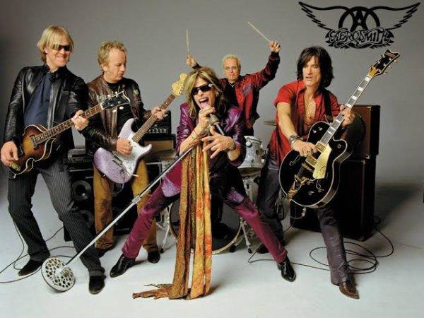Aerosmith est un groupe de rock américain, originaire de Boston, dans le Massachusetts, formé en 1970. Ses membres sont parfois appelés « Les Bad Boys de Boston ». Son style hard rock,, typique des années 1970, enraciné dans le blues, en est venu à également intégrer des éléments de pop, de metal et de rhythm and blues et a inspiré de nombreux artistes de rock et de metal ultérieurs.