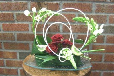 Art Floral . Roses et ornithogales