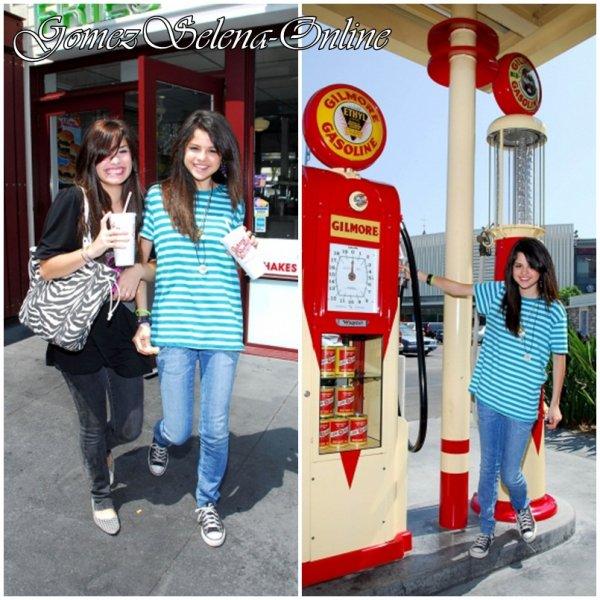 Demi Lovato et Selena Gomez > Photoshoot en 2008 par Clark Samuels