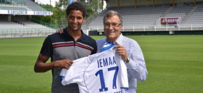 Jemaa rejoint Auxerre