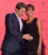 Halle Berry & Olivier Martinez parents !