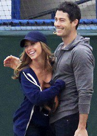 Jennifer Love Hewitt & Brian Hallisay parents !