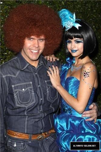 Selena à la fête de Perez Hilton !