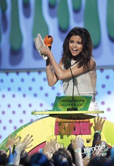 Le nouvelle album de Selena sera disponible le 18 juin !!!