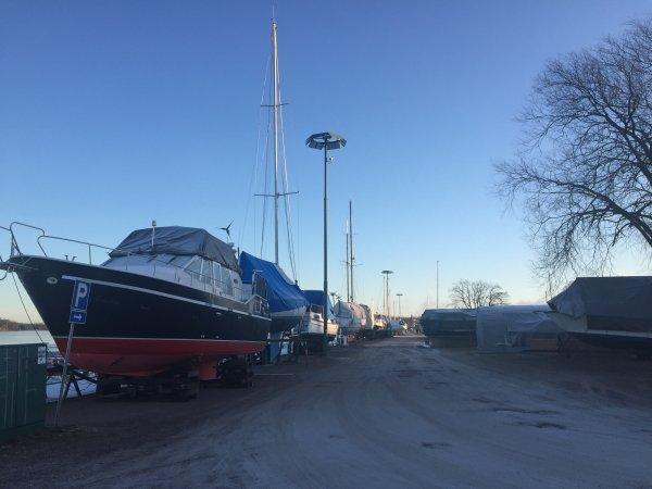 Salut de Finlande )
