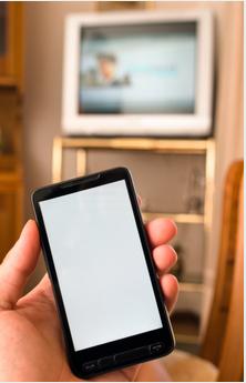 Le smartphone a dépassé la télé en audience en 2015