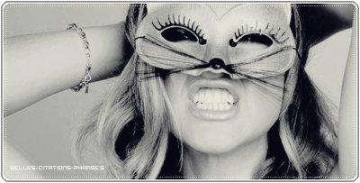 Mieux vaut un baiser de celui que l'on hait, qu'une gifle de celui que l'on aime.