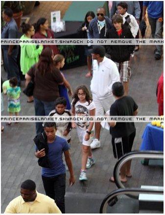 28 Junio 2010 | Prince Paris y Blanket fueron a ver Shrek 4