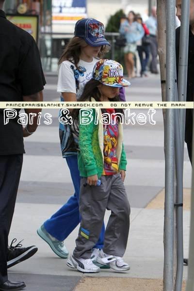 14 Mayo 2010 | Paris y Blanket alos Bolos en LA