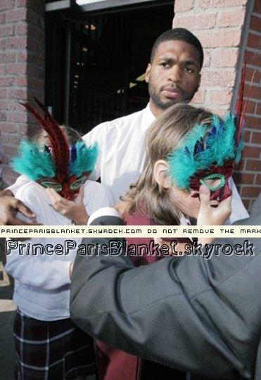 27 Abril 2009 | MJ y Sus Hijos de Compras en Ed Hardy