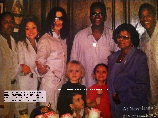 Michael Jackson y sus Hijos en Neverland 2005